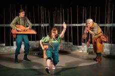 Trygve Beddari, Astrid Serine Hoel og Anne Margaret Nilsen. Foto: Lars Opstad. Unge Viken Teater